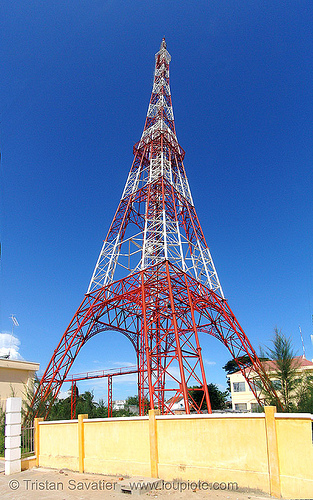 small eiffel tower - french-style radio tower - phan thiet - vietnam, eiffel tower, metal truss, phan thiet, photo stitching, radio tower, red, vietnam, white