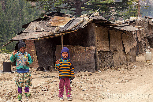 small kids living in makeshift shanty houses (india), bhagirathi valley, boy, camp, children, girl, little girl, people, shanty house