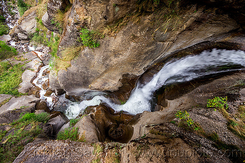 small mountain stream cascading down a steep ravine (india), dhauliganga valley, flowing, gully, mountains, river, stone, water