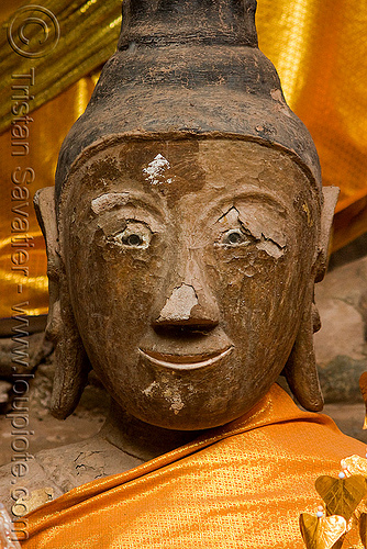 buddha statue in sanctuary - wat phu champasak (laos), buddha image, buddha statue, buddhism, khmer temple, main shrine, sanctuary, wat phu champasak