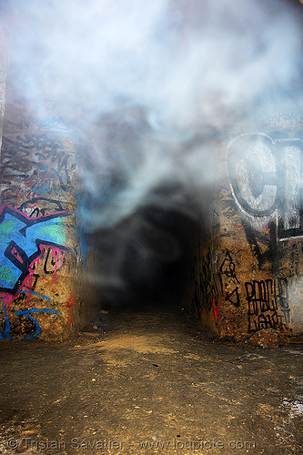 smoked-in gallery - catacombes de paris - catacombs of paris (off-limit area), cave, clandestines, fumi, fumigène, graffiti, illegal, paris, silhouette, smoke, trespassing, tunnel, underground quarry