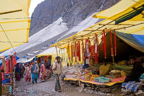 souvenirs shops in tent village - amarnath yatra (pilgrimage) - kashmir, amarnath yatra, kashmir, mountains, pilgrim, pilgrimage, shops, souvenirs, tents, trekking, yatris, अमरनाथ गुफा