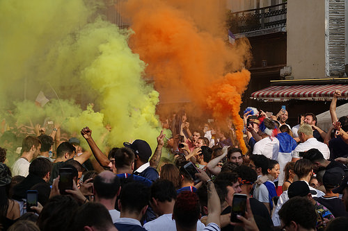 RNT01340, allez les bleus, bleu blanc rouge, celebration, coupe du monde de football 2018, crowd, dancing, fifa, french flags, on a gagné, orange smoke, paris, smoke bombs, soccer, street party, world cup 2018