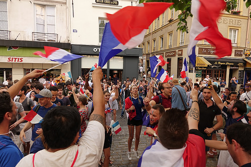 RNT01367, allez les bleus, bleu blanc rouge, celebration, coupe du monde de football 2018, crowd, dancing, fifa, french flags, on a gagné, paris, soccer, street party, world cup 2018