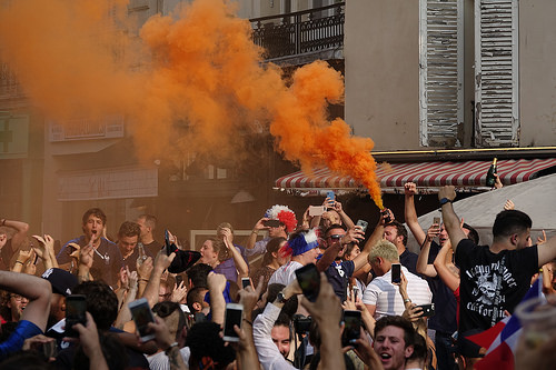 RNT01338, allez les bleus, bleu blanc rouge, celebration, coupe du monde de football 2018, crowd, dancing, fifa, french flags, on a gagné, orange smoke, paris, smoke bombs, soccer, street party, world cup 2018