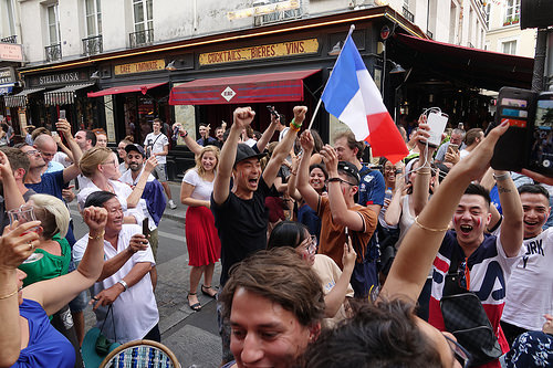spontaneous street celebration of france winning soccer world championship - finale coupe du monde de football 2018 - supporters (paris), allez les bleus, bleu blanc rouge, coupe du monde de football 2018, crowd, dancing, fifa, french flags, on a gagné, paris, place de la contrescarpe, soccer world cup 2018, street party