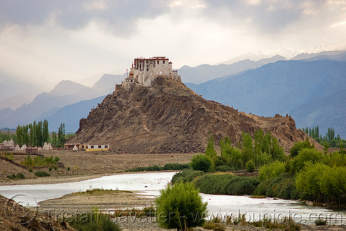 stakna gompa (monastery) - leh valley - ladakh (india), hill, ladakh, leh valley, mountains, river, stakna gompa, tibetan monastery