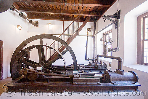 stationary steam engine, casa de la moneda, casa nacional de moneda, line shaft, mint, minting, potosí, stationary steam engine
