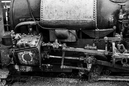 steam locomotive cylinder and rods (india), cylinder, darjeeling himalayan railway, darjeeling toy train, india, narrow gauge, piston, railroad, rods, steam engine, steam locomotive, steam train engine