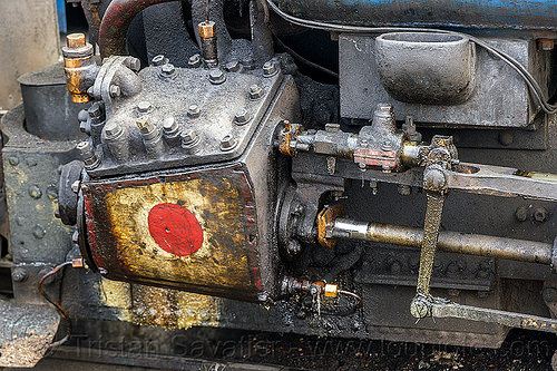 steam locomotive cylinder case and rods (india), cylinder, darjeeling himalayan railway, darjeeling toy train, narrow gauge, piston, railroad, rods, smoke, smoking, steam engine, steam locomotive, steam train engine