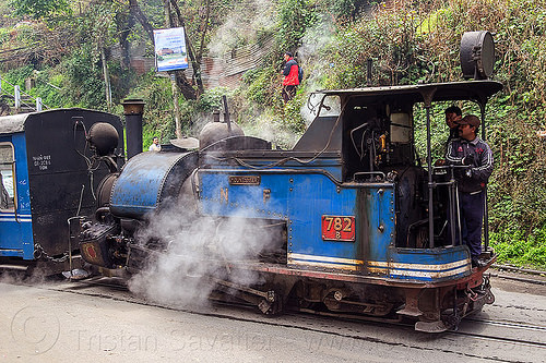 steam locomotive pulling train - darjeeling (india), 782, 782 mountaineer, cab, darjeeling himalayan railway, darjeeling toy train, men, narrow gauge, operator, people, railroad, smoke, smoking, steam engine, steam train engine