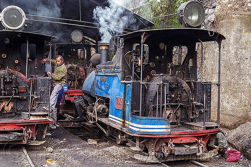 steam locomotives - darjeeling (india), 782 mountaineer, 788 tusker, 804 queen of the hills, darjeeling himalayan railway, darjeeling toy train, india, man, narrow gauge, railroad, smoke, smoking, steam engine, steam locomotive, steam train engine, train depot, train yard, worker