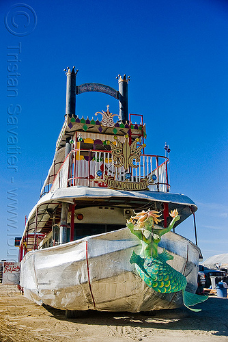 steamer art car - lady sassafras - burning man 2009, art car, art ship, burning man, crown collective, lady sassafras, mermaid, steam boat, steamer