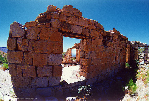 stone house ruin in the desert, backlight, house, ruins, stone wall, window
