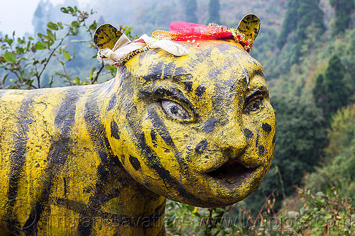 stone tiger head at hindu shrine (india), hindu temple, hinduism, sculpture, shrine, statue, stone tiger, west bengal