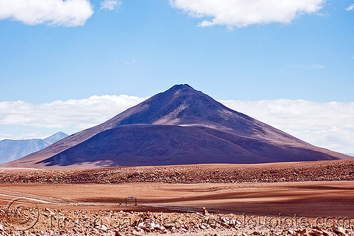 stratovolcano - volcano cerro pabellón (bolivia), altiplano, cerro pabellon, cerro pabellón, mountain, pabellon volcano, pabellón volcano, pampa, stratovolcano, uyuni