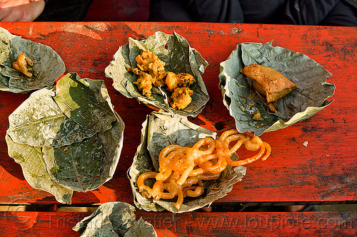street food in leaves plates (india), dish, environment, hindu pilgrimage, hinduism, india, lead, leaves, maha kumbh mela, plates, street food, sweets, table