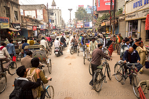 street traffic - cycle rickshaws, bicycles and motorbikes (india), bikes, crowd, motorcycles, moving, people, traffic jam, varanasi