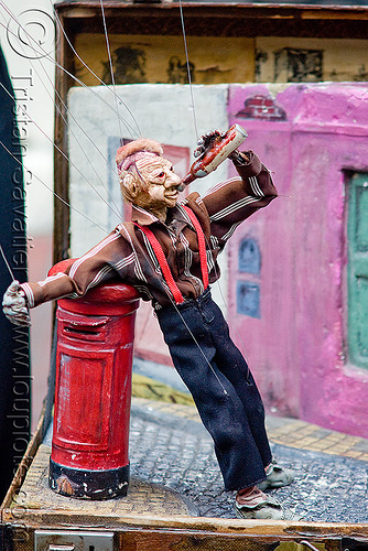 string puppet - marionette, argentina, buenos aires, drinking, drunk, marionette, san telmo, string puppet