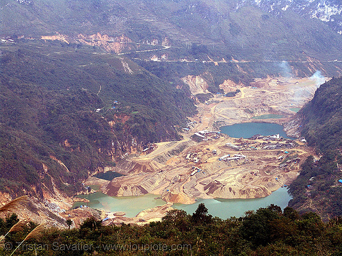 strip mine, open pit mine, open pit surface mine, open-cut mine, opencast mine, strip mine, tin mine, tinh tuc, tình túc