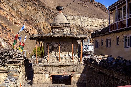 stupa in kagbeni village (nepal), annapurnas, buddhism, kagbeni, kali gandaki valley, stupa, village