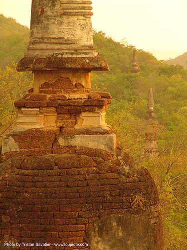 stupas - อุทยานประวัติศาสตร์ศรีสัชนาลัย - si satchanalai chaliang historical park, near sukhothai - thailand, amphoe si satchanalai, jungle, ruins, stupa, temple, ประเทศไทย, อุทยานประวัติศาสตร์ศรีสัชนาลัย