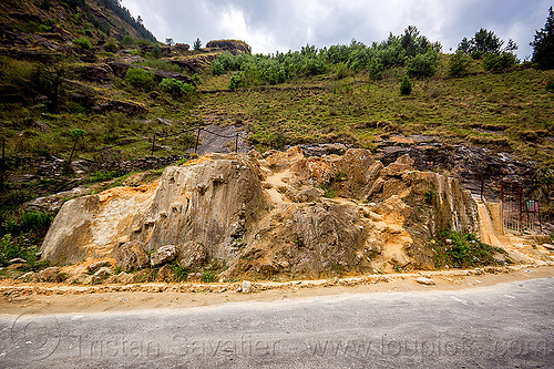 tapovan hot springs (india), dhauliganga valley, mountains, road, sulfurous hot springs, tapovan hot springs