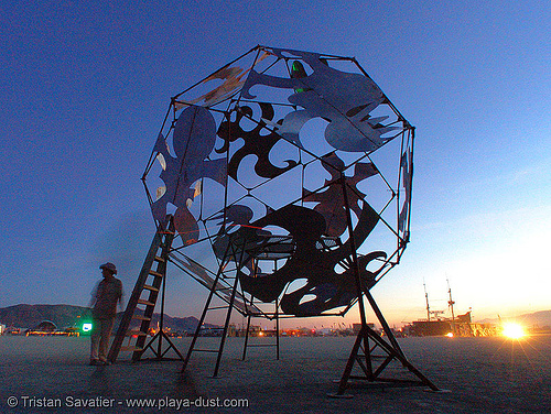 temple of brianetics by brian carlson - burning-man 2005, art, art installation, burning man, night