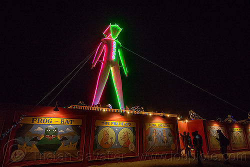 the man at night - burning man 2015, frog-bat, glowing, neon, people