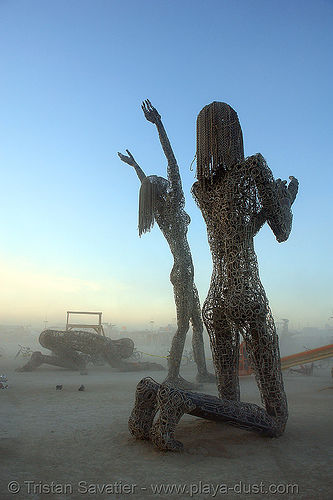 the three leaping giants - burning-man 2006, art installation, burning man, dan dasmann, dawn, karen cusolito, three leaping giants