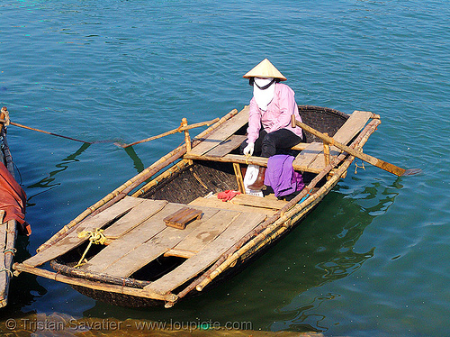 thúng chai boat - vietnam, asian woman, asian women, bamboo, basket boat, people, round boat, sea, thung chai, thúng chai