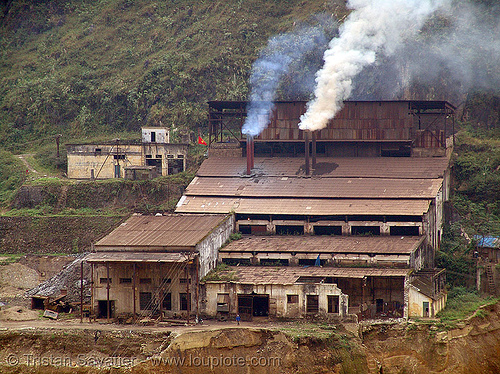 Tình Túc (tinh tuc) tin mine smelter - vietnam, environment, open pit mine, open pit surface mine, open-cut mine, opencast mine, pollution, smelter, smoke, strip mine, tin mine, tinh tuc, tình túc