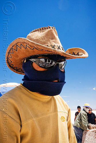 total sun protection, argentina, blue sky, face mask, hat, headgear, hood, jujuy, man, noroeste argentino, salar, salinas grandes, salt bed, salt flats, salt lake, sunglasses, white, worker