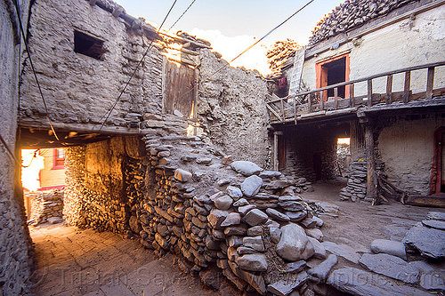 traditional mud houses - kagbeni (nepal), annapurnas, house, kagbeni, kali gandaki valley, village