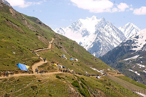 trail fork - amarnath yatra (pilgrimage) - kashmir, amarnath yatra, fork, kashmir, mountain trail, mountains, pilgrimage, pilgrims, trekking, yatris, अमरनाथ गुफा