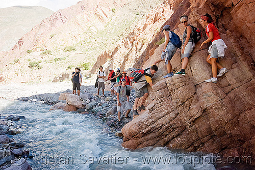 trekking - some scrambling to avoid crossing the river, iruya, jimena, men, mountains, noroeste argentino, pilar, quebrada de humahuaca, river bed, san isidro, scrambling, trail, trekking, water, women