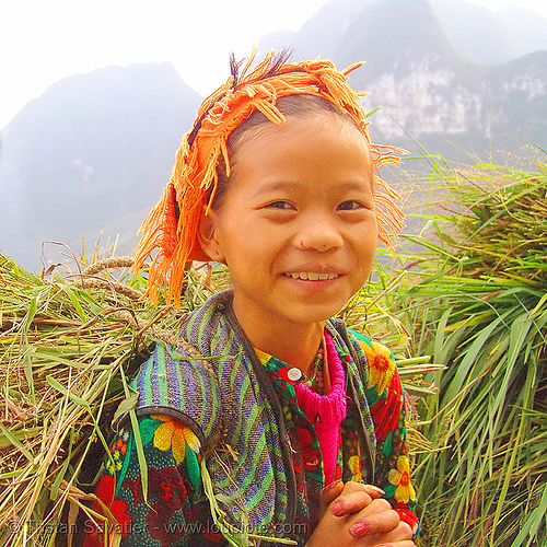tribe girl carrying grass - vietnam, child, hill tribes, hip2bsquare, indigenous, kid, little girl, ma pi leng, ma pi leng pass, mã pí lèng, mã pí lèng pass, people