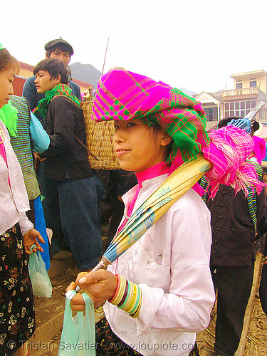 tribe girl with umbrella - vietnam, asian woman, gold teeth, hat, headwear, hill tribes, indigenous, market, mèo vạc, tribe girl