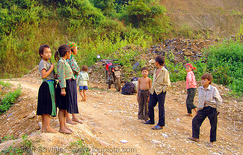 tribe kids - vietnam, 125cc, children, hill tribes, indigenous, kids, minsk motorcycle, road, vietnam, минск 125, мотоциклы