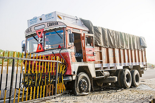 truck accident (india), crash, lorry, metal fence, road, tata motors, traffic accident, truck accident, wreck