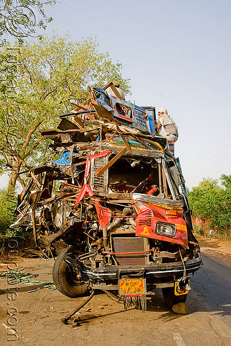 truck accident (india), cabin, crushed, fatal, frontal collision, head-on collision, india, lorry, road crash, tata motors, traffic accident, traffic crash, truck accident, wreck