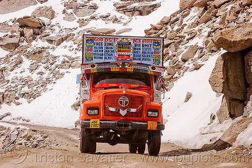 truck - khardungla pass - ladakh (india), khardung la pass, ladakh, lorry, mountain pass, mountains, road, snow patches, tata motors, truck