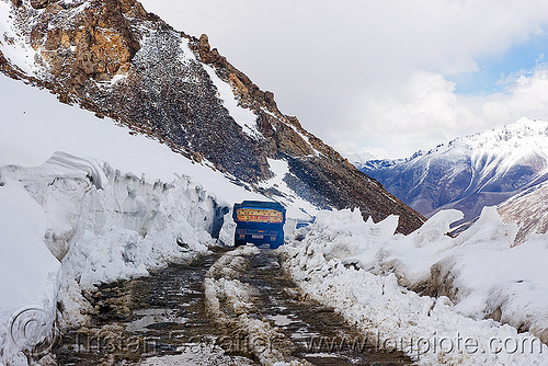 truck, mud and snow on the road - khardungla pass - ladakh (india), khardung la pass, ladakh, lorry, mountain pass, mountains, mud, road, snow, truck