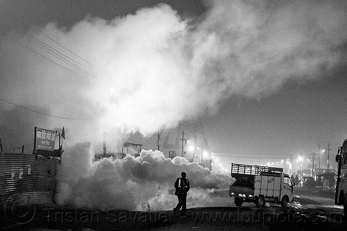 truck spraying DDT insecticide at kumbh mela (india), air quality, ddt, environment, fog truck, fogger truck, fogging, hindu pilgrimage, hinduism, india, insecticide, lorry, maha kumbh mela, night, pollution, smog, spray gun, spraying, white smoke