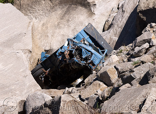 truck wreck in ravine - road to rohtang pass - manali to leh road (india), crash, india, lorry, road, rohtang pass, rohtangla, traffic accident, truck accident, wreck