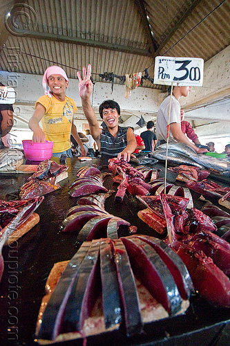 tuna fish slices, fish market, fishes, food, lahad datu, maguro, men, merchant, seafood, tuna, vendors