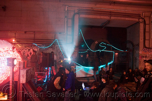 underground rave party in abandoned train tunnel - saoulaterre - FC crew - frotte connard - F7 - cavage records - université paris X nanterre, abandoned, cavage, f7, fc crew, frotte connard, nanterre, paris, rave party, saoulaterre, train tunnel