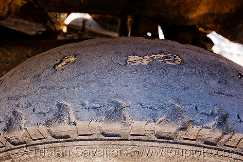 very bald tire, car, molinos, noroeste argentino, old, overused, used, wheel