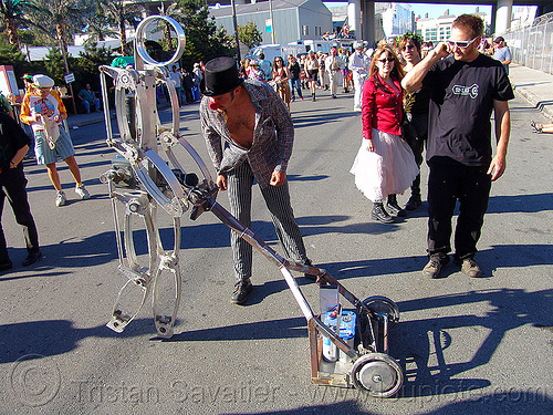 walking lawn-mowing robot - burning man decompression 2005 (san francisco), burning man decompression, lawnmower, lawnmowing, machine, metal, walking robot