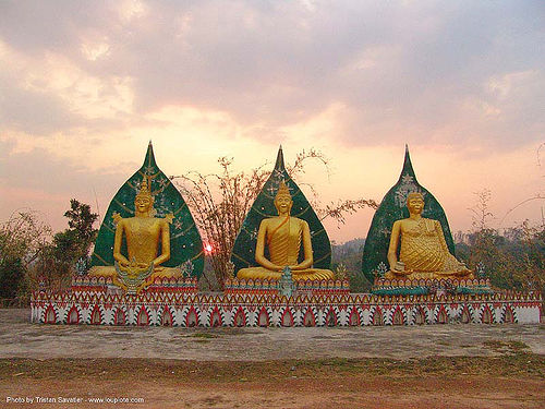 พระพุทธรูป - wat somdet - three golden buddha statues - สังขละบุรี - sangklaburi - thailand, buddha image, buddha statue, buddhism, buddhist temple, cross-legged, golden color, sangklaburi, sculpture, three, wat somdet, ประเทศไทย, พระพุทธรูป, สังขละบุรี